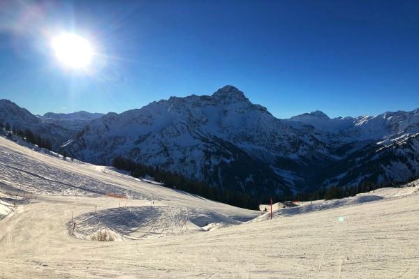 Oberstdorf zonnige skipiste