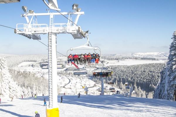 Winterberg skilift en piste