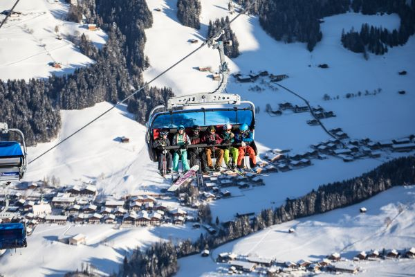 Ski Juwel Alpine Stoeltjeslift met zicht op Alpbach © Ski Juwel Alpbachtal Wildschönau
