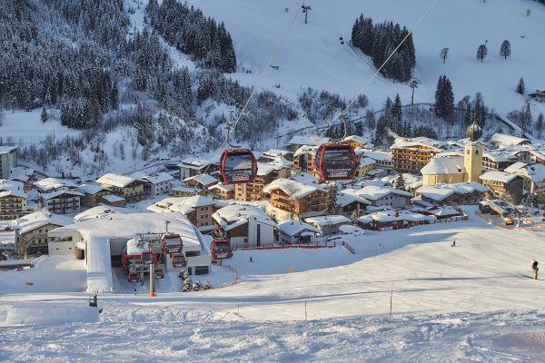 Skicircus Saalbach Hinterglemm Leogang Fieberbrunn dorp winters Saalbach © saalbach.com - Daniel Roos